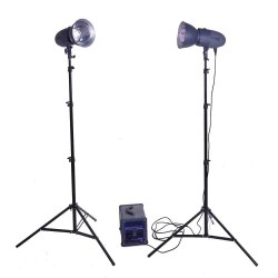 Visico CR-3200 1000W portable Power Pack and 2 x VL400 plus flash
